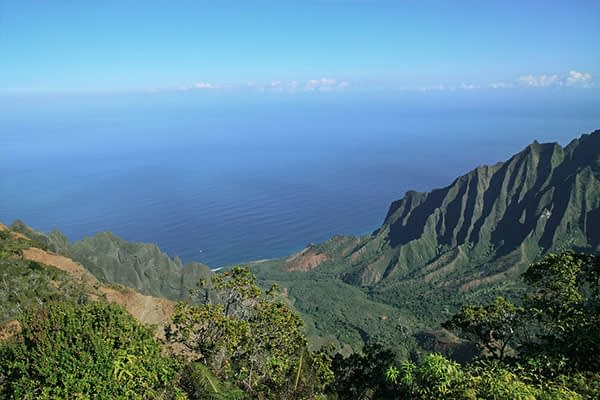 Kalalau trail in Hawaii, beautiful hiking trail